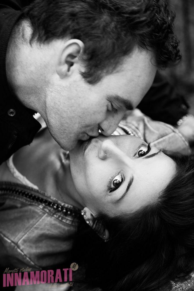 Castelli in Italia per pre matrimonio.Love session a cura di Morris Moratti fotografo a Brescia  Tel 3289169787 #fotografo #verona #brescia #bergamo #milan #photo #photography #moment