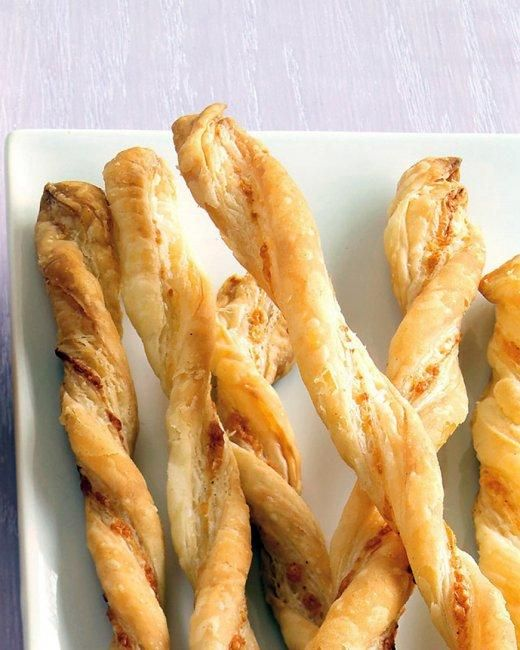 Parmesan Straws Recipe: Chee Straws, Everyday Food, Puff Pastries, Bar Snacks, Thanksgiving Appetizers, Martha Stewart, Parmesan Straws, Cheese Straws, Parties Food