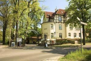 Hotel Kronprinz, Falkensee  €48,75