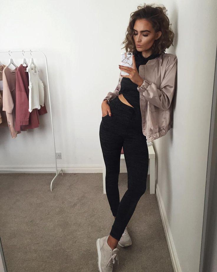 "Alicia Roddy på Instagram: ""Sundays in @missyempire - outfit link in bio use code 'ALICIA15'"""