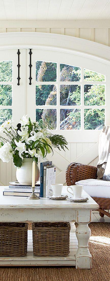 Cottage Farmhouse Style. Chunky Leg White Wood Coffee Table.