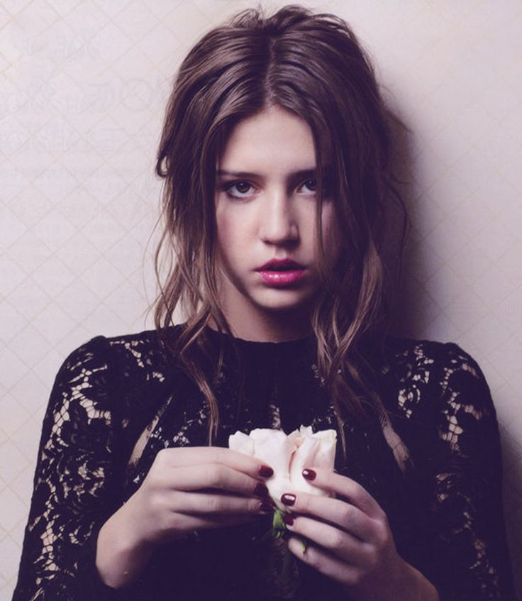"""ADELE EXARCHOPOULOS- ELLE JAPAN JANUARY 2014 CO-STAR OF """"BLUE IS THE WARMEST COLOR."""""""