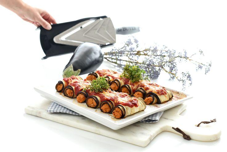Receta de Canelones de berenjena para dieta con atún, tomate y queso light. Mezcla los ingredientes, rellena y hornea, ya verás que receta tan sencilla.