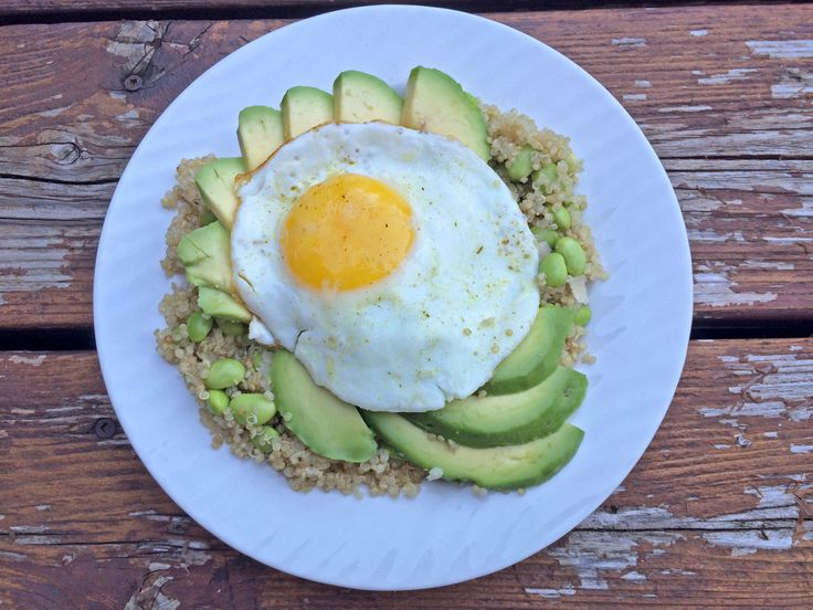 Sunny Side Up Edamame & Parm Quinoa for Dinner! Check out the recipe on www.chelseacrescent.ca  #sunnysideup #parm #edamame #quinoa #eggs #healthy #healthyliving #cleaneating #green #dinner #breakfast #instafood #yum #cleaneats