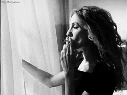Gorgeous Sarah Jessica Parker smoking  Extra Stuff  Sarah jessica parker City Carry on