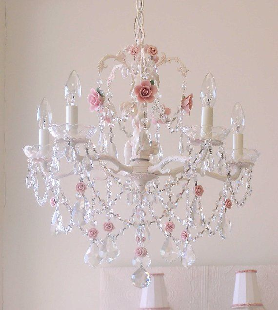 if i could have my own princess room this would - Baby Girl Room Chandelier