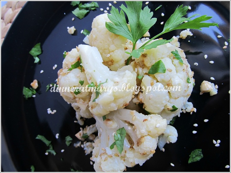 cauliflower with sesame seeds and almonds