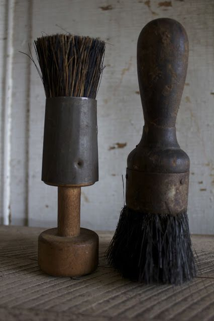 VINTAGE BRISTLED BRUSHES.... oLdE bRoOmS aNd BrUsHeS  http://www.pinterest.com/theoldbuttery/olde-brooms-and-brushes/