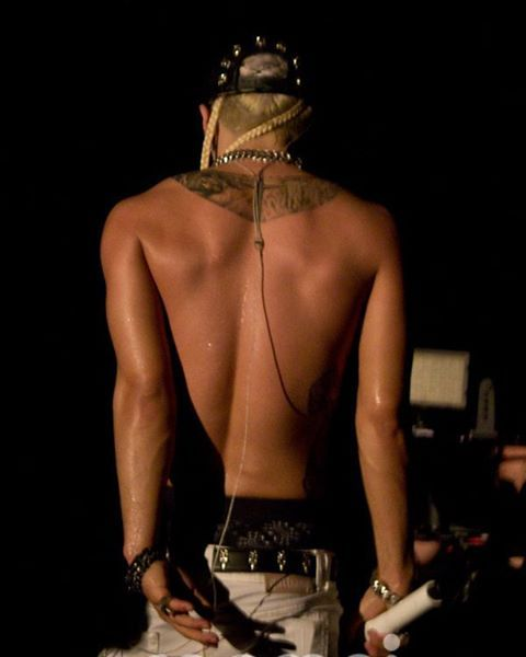 what we need is yours shirtless #TAEYANG