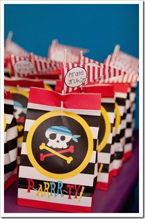 Pirate Birthday Party: Gift Bags, Goodies Bags, Birthday Party'S Idease Carts, Pirates Birthday, Pirates Parties, Pirate Birthday Parties, Parties Favors, Favors Bags, Parties Ideas