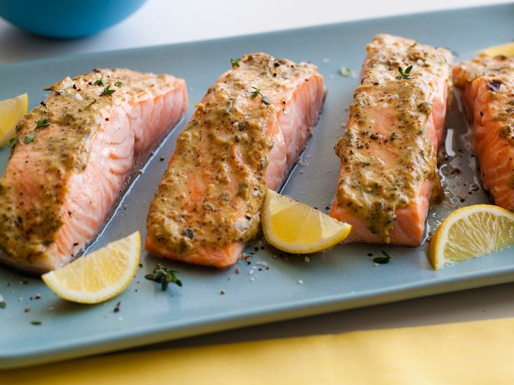 Recipe of the Day: Giada's Mustard-Glazed Broiled Salmon         Slather salmon fillets in a homemade light-yet-flavorful glaze — whole-grain and Dijon mustards, herbs, garlic and dry white wine — gives them a light-yet-flavorful edge . And, once they're set under the broiler, they take just seven minutes to cook.
