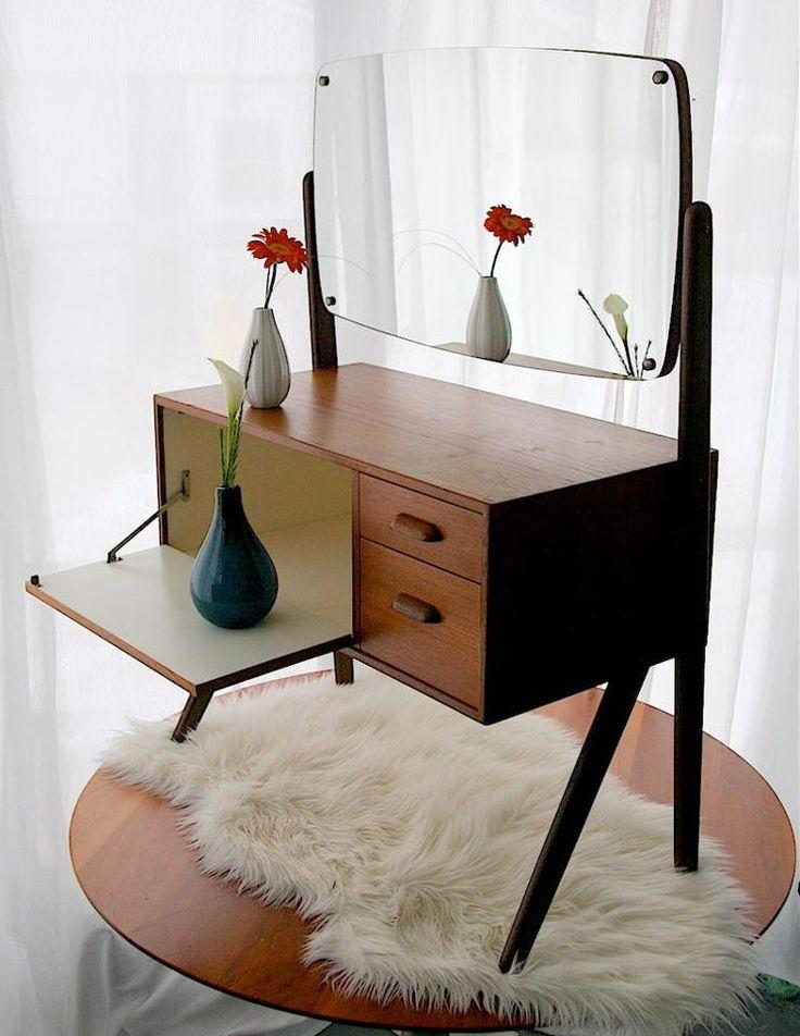 25  best ideas about Teak furniture on Pinterest   Mid century furniture   Teak and Modern hallway furniture. 25  best ideas about Teak furniture on Pinterest   Mid century