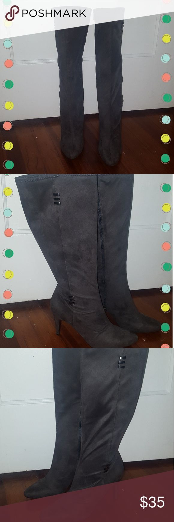 Charcoal Gray Suede Boots Size 10m Charcoal Gray Suede boots, Wide Calf!! Good condition. 18inches tall from heel to top, 4 inch heel. NEVER WORN OUTSIDE. They fit great alone or with jeans! I provided pics with and without flash to show their color. Contact me with any questions! 🌟🌟🌟 Shoes Heeled Boots