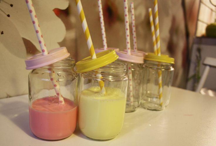 Repurposing baby food jars  gul och rosa mjölk_kreativakarin