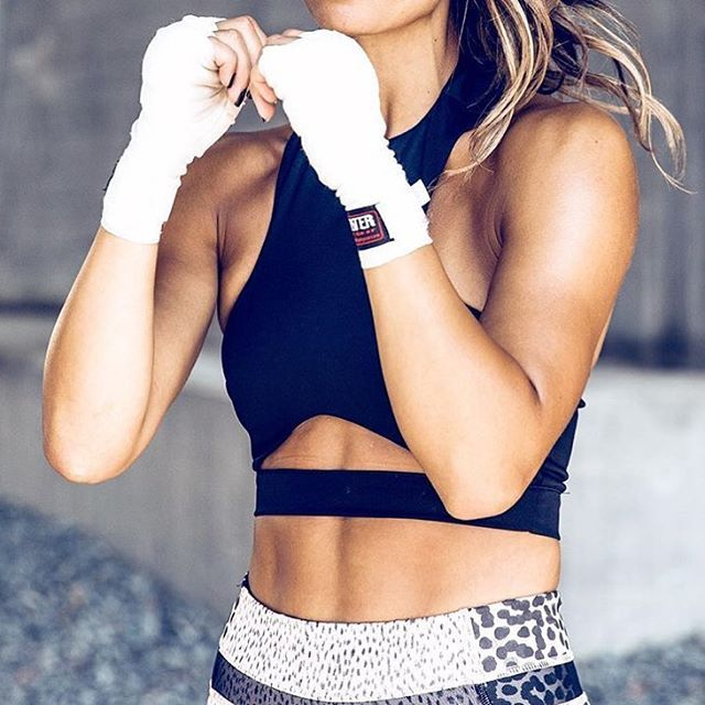 fit body, badass woman, amazing activewear outfit, hustle.. what else?? fitness models for fitness motivation