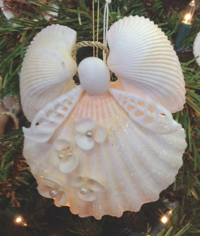 Tree topper shell star seaside holidays and white sea for Christmas tree ornaments made from seashells