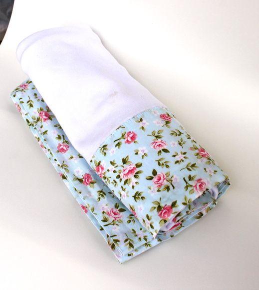 Cueiro em flanela com barrado 100% algodão  Consulte as estampas disponíveis ou indique a sua preferência.  Possibilidade de retirar em mãos: Méier, Tijuca ou Centro.