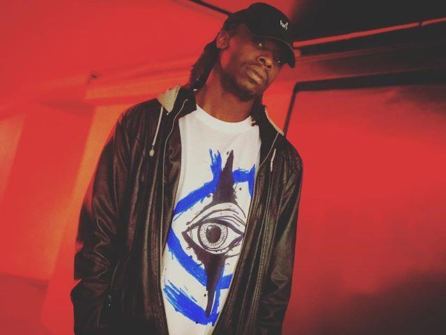 Reposting @dreadlocshawty: Making of a menace to the music society  ••••••••••••••••• #rap #mc #emcee #pop #rapper #singersongwriter #rnb #edm #rock #allgenres #red #klowninizlife #dadhat #model #malemodels  #okc #wichita #underground #hiphop