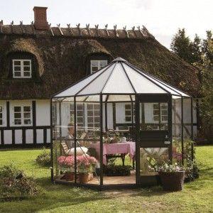 Tuinkassen en Tuinhuizen direct bestellen bij de partners van designindetuin. Honderdduizenden artikelen