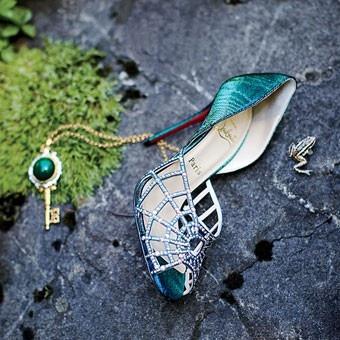 so peacock!!!  Chaussures Christian Louboutin Wedding ♥ Wedding Chic et à la mode chaussures à talons hauts