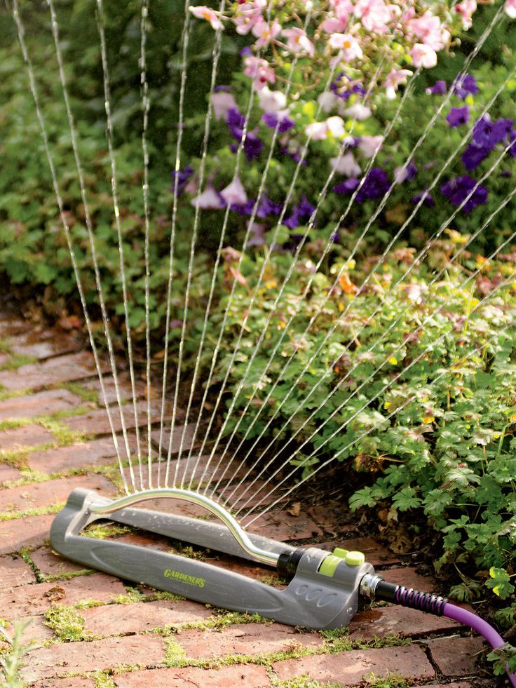Clog Free Oscillating Sprinkler | Gardener's Supply  #lovegardeners