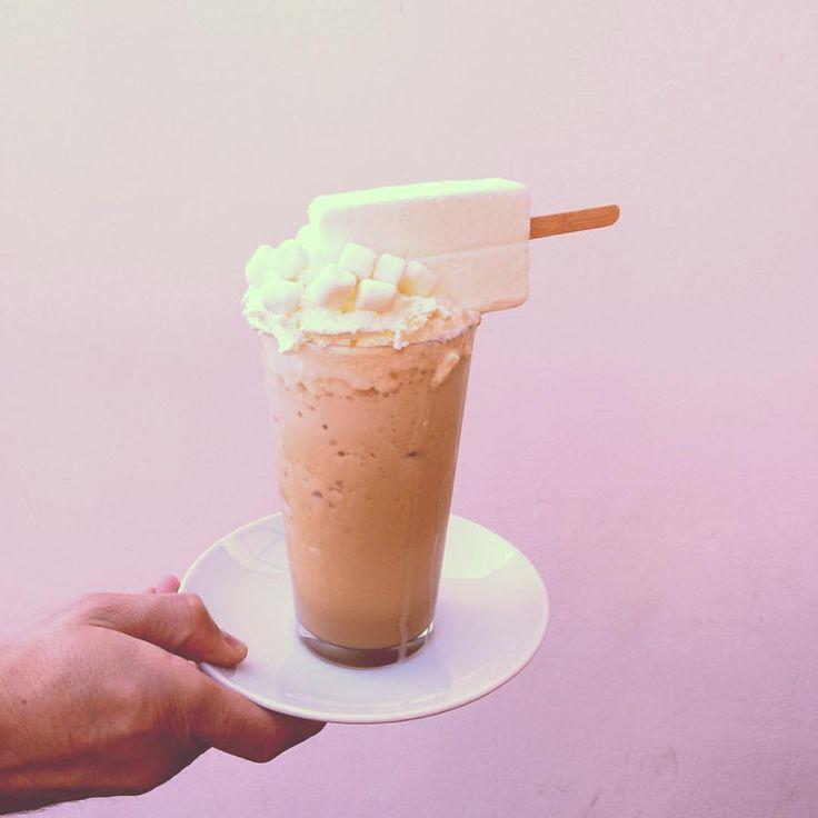 """11 kedvelés, 1 hozzászólás – Garázs Kávézó - café & bar (@garazskavezo) Instagram-hozzászólása: """"#milk #milkshake #milkshakewithcoffee #shakeisfun #alwaysshakeit #maximilkshake #maxishake…"""""""