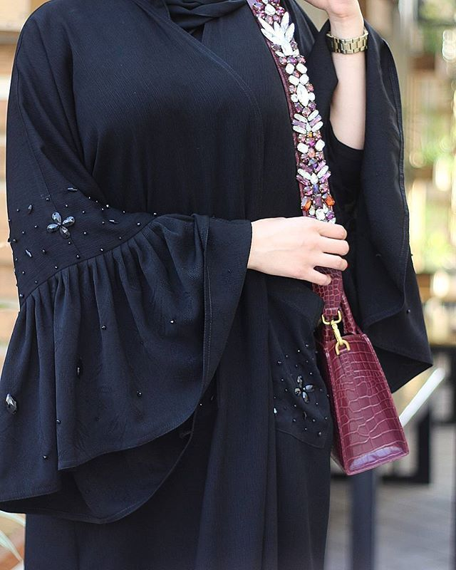 #Repost @abayat_el_bushya with @instatoolsapp متوفرة للبيع الفوري . Available for immediate purchase #subhanabayas #fashionblog #lifestyleblog #beautyblog #dubaiblogger #blogger #fashion #shoot #fashiondesigner #mydubai #dubaifashion #dubaidesigner #dresses #openabaya #uae #dubai #abudhabi #sharjah #ksa #kuwait #bahrain #oman #instafashion #dxb #abaya #abayas #abayablogger #абая