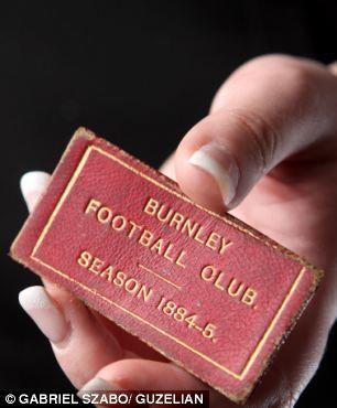 Cel mai vechi abonament din lume. O poveste despre tradiţie şi cultură fotbalistică