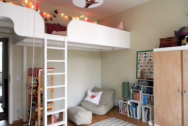 Kinderzimmer Lichterkette Hochbett Kaufmannsladen Leseecke