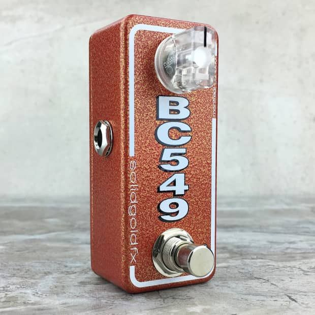 The BC549 mini booster is a meaty, dirty boost with a flat mid emphasis and assertively crunchy character. The BC549 mini booster can be used as a simple, no frills, on all the time drive, or as a distinctly dirty lift for solos. Given its streamlined circuit design the BC549 mini booster is highly responsive to volume and tone adjustments allowing the core tonality of your instrument and the nuance of your playing to shine through. The BC549 mini booster can be used stand alone or stacked…