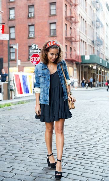Look Outono: Vestido Preto + Jaqueta Jeans