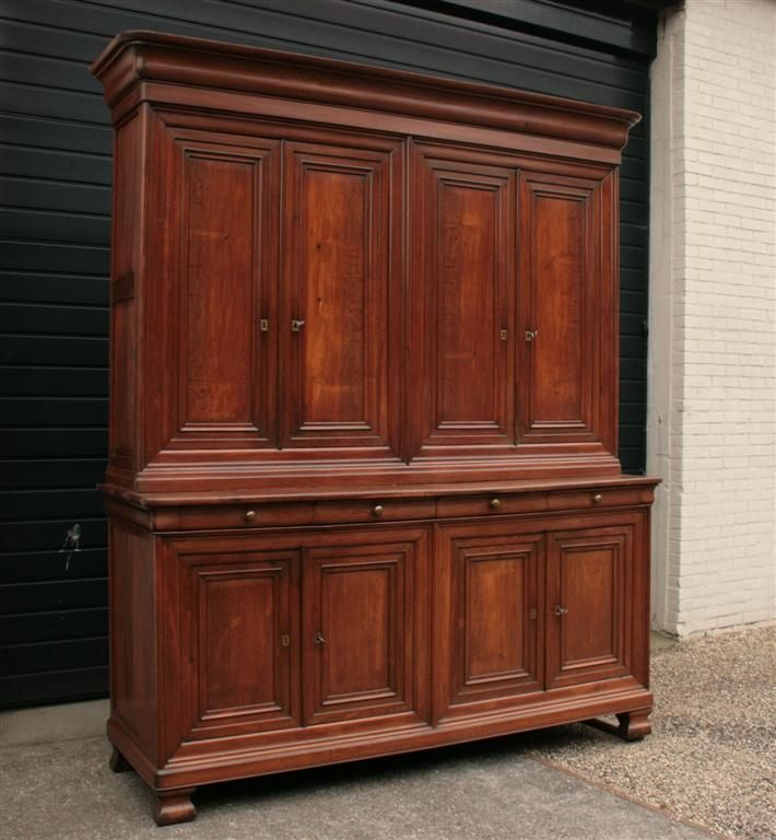 25 beste idee n over antieke kast op pinterest vintage kleerkast vintage kast en deuropening - Antieke stijl badkamer kast ...
