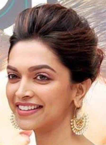 Indian actress deepika bobs in land