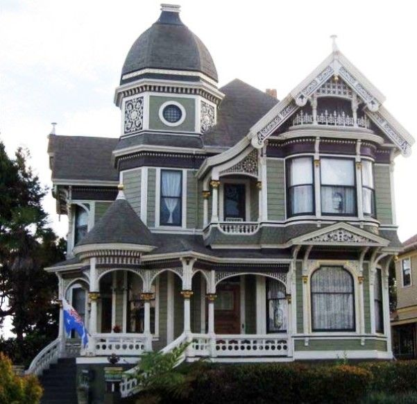 Victorian style house architecture
