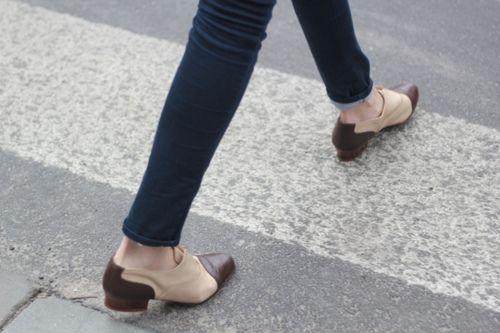 : Female Shoes, Fashion Shoes, Shoes Fashion, Girl Shoes, Shoes Girl, Shoes Gallery, Saddle Shoes, Girls Shoes, Omigod Shoes