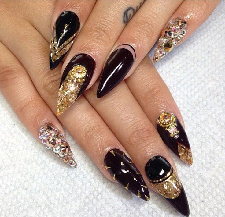 Stilleto Nail Ideas For Prom: 25+ Best Ideas About Gold Stiletto Nails On Pinterest