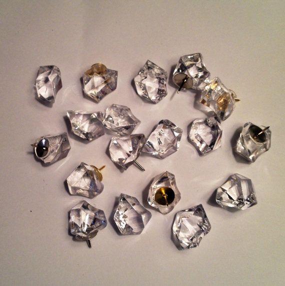 Cute thumbtacks clear 12 pcs bulletin board push pins for Decorative pins for crafts