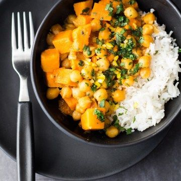 Vegan-Sweet-Potato-and-Chickpea-Curry-1