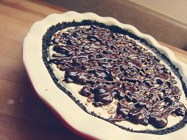 mud pie with a chocolate cookie crust, bourbon chocolate fudge ...