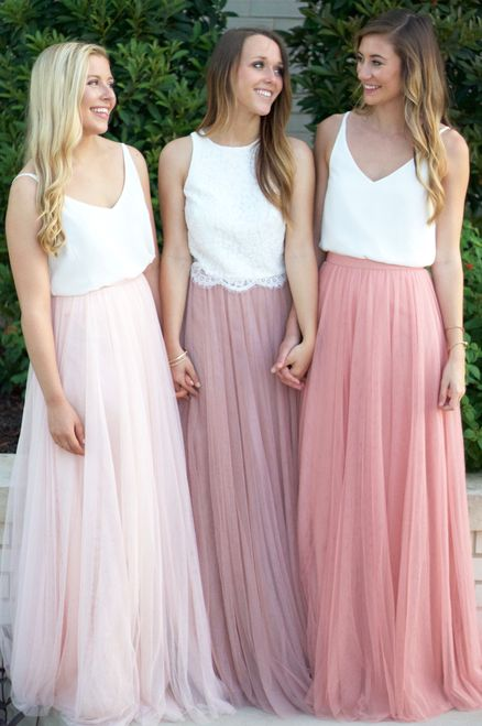 Who wouldn't feel like a princess in this gorg maxi?!? I'm OBSESSED  //  Heidi Top in Ivory, Skylar maxi in Cameo Pink