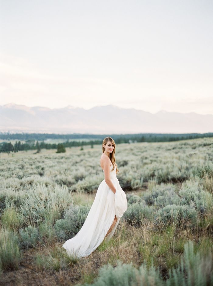 15 melhores imagens sobre once wed no pinterest inspirao vintage simple bridal portrait session in the mountains once wed junglespirit Gallery