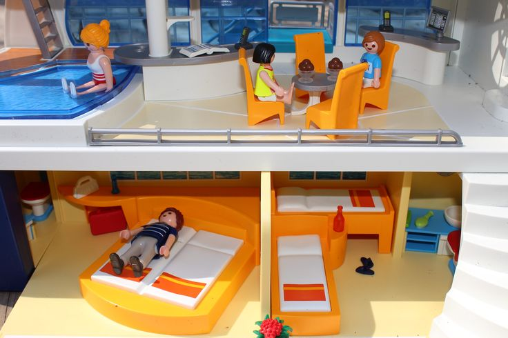 Hop Aboard the PLAYMOBIL Cruise Ship #Giveaway - The Mommy Mix
