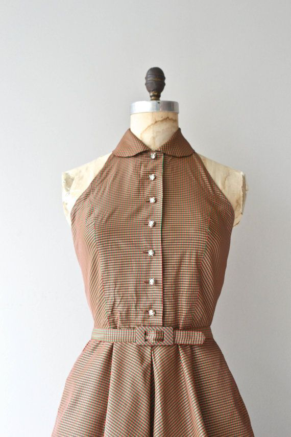 DATING VINTAGE CLOTHING BY BUTTONS