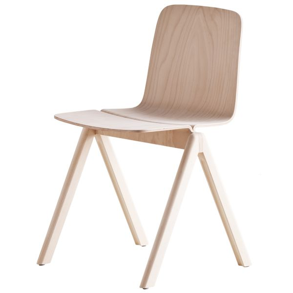 Love all thing soaped. Love the angles of this chair. Love the wooden look. All an all? Great chair! #hay #Copenhague #chair #soaped #beech #furniture #interior #interiordesign #inspiration
