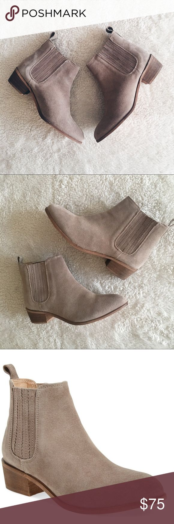 """•Steve Madden• Nylie Chelsea Boot Super cute! Distressed finish, chelsea boot 1 1/2"""" heel  4 1/2"""" boot shaft. Pull-on style. Leather upper/synthetic lining and sole. No trades, please *Offers are welcomed* Steve Madden Shoes Ankle Boots & Booties"""