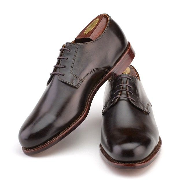 The Sanford blucher in dark olive mimosa calf is antiqued and burnished by hand revealing highs and lows of a rich dark green color. The true beauty of these shoes really shines in bright natural...