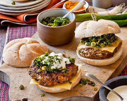 Tandoori chicken burger with spicy Indian salsa