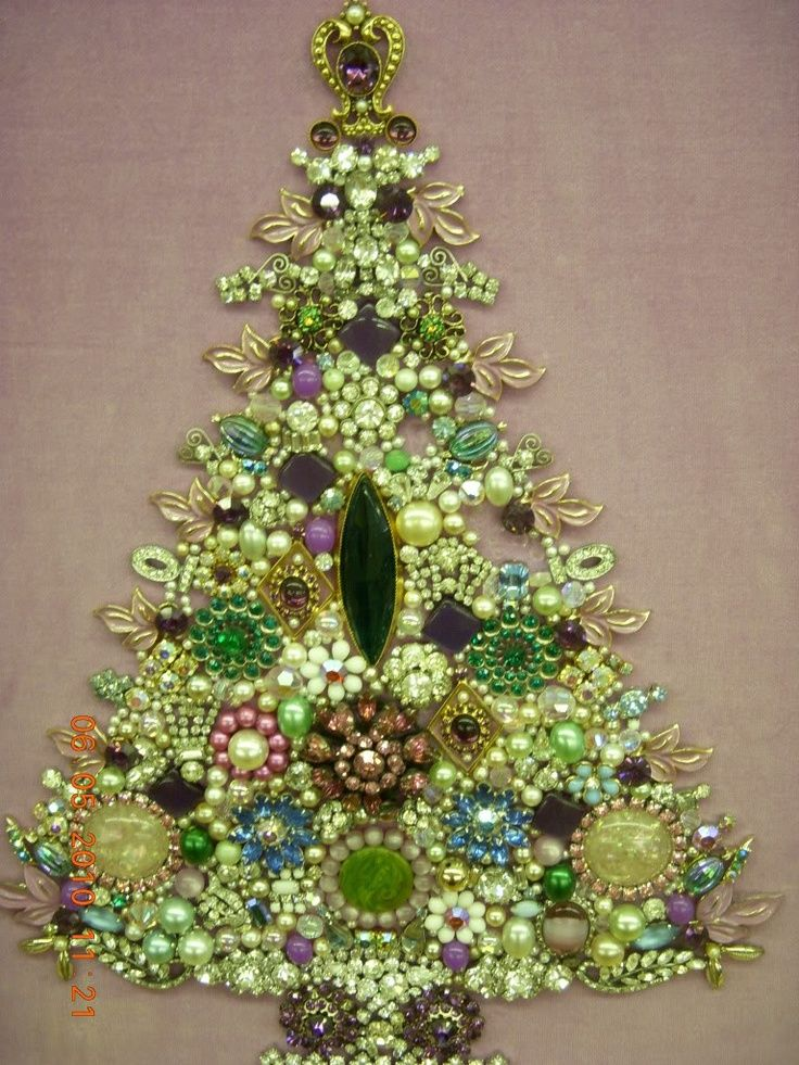 How To Make A Costume Jewelry Christmas Tree Part - 40: Costume Jewelry Tree