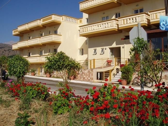 Sunlight Hotel || Just 5 metres from Georgioupolis Beach, Sunlight Hotel features a restaurant with sea view, serving traditional, local dishes. It offers self-catered accommodation with Cretan Sea and mountain views.