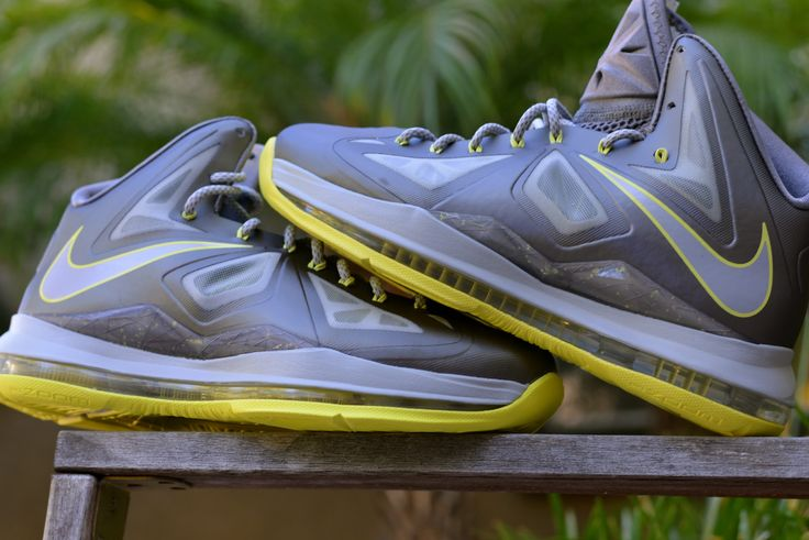 "Lebron X ""Canary"" Size  Deadstock"